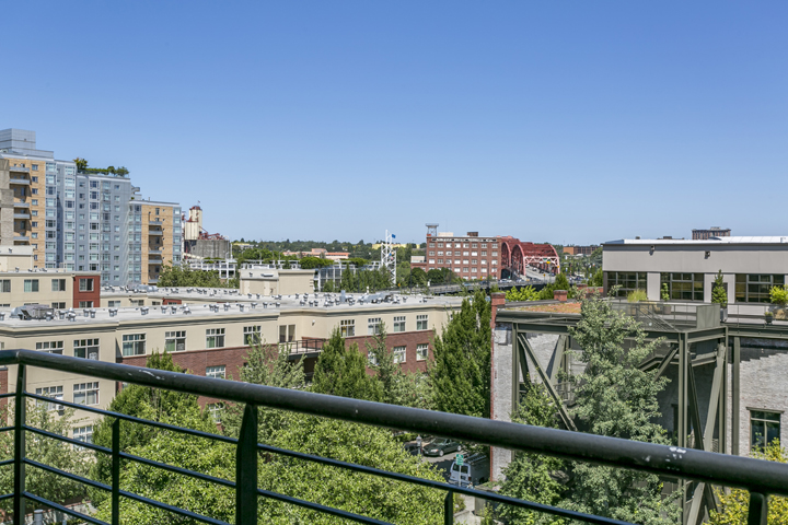 Tanner Condominium Bridge View